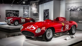 "Ferrari ""Seeing Red"" del Petersen Museum Foto 13"