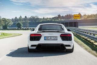 Fotos Audi R8 V10 RWD Foto 10