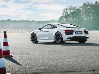 Fotos Audi R8 V10 RWD Foto 39