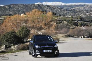 Fotos comparativa Fiat Panda y Peugeot 108 Foto 3