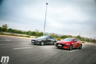 Fotos comparativa Mazda3 5 Puertas vs Sedán Foto 4