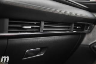 Fotos comparativa Mazda3 5 Puertas vs Sedán Foto 103