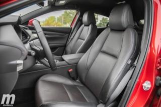 Fotos comparativa Mazda3 5 Puertas vs Sedán Foto 125