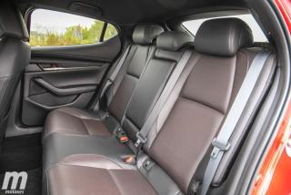 Fotos comparativa Mazda3 5 Puertas vs Sedán Foto 126