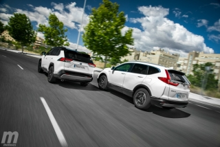 Fotos comparativa Toyota RAV4 vs Honda CR-V Hybrid - Miniatura 12