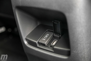 Fotos comparativa Toyota RAV4 vs Honda CR-V Hybrid - Miniatura 107