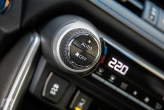 Fotos comparativa Toyota RAV4 vs Honda CR-V Hybrid - Miniatura 156