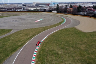 Las fotos del debut de Carlos Sainz con Ferrari en Fiorano Foto 8