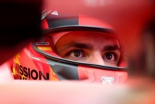 Las fotos del debut de Carlos Sainz con el Ferrari SF21 - Miniatura 3