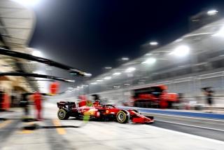 Las fotos del debut de Carlos Sainz con el Ferrari SF21 - Miniatura 8