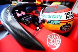 Las fotos del debut de Carlos Sainz con el Ferrari SF21 - Miniatura 11