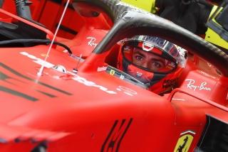 Las fotos del debut de Carlos Sainz con el Ferrari SF21 - Miniatura 12