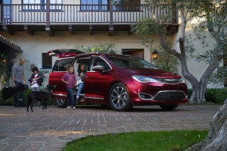 Fotos del Chrysler Pacifica 2017 - Miniatura 5