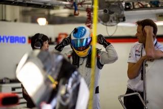 Fotos Fernando Alonso test Bahrein Toyota LMP1 - Foto 3