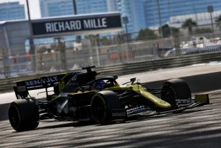 Las fotos del test de Fernando Alonso en Abu Dhabi - Miniatura 16