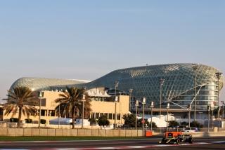 Las fotos del test de Fernando Alonso en Abu Dhabi - Miniatura 25
