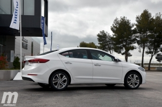 Fotos Hyundai Elantra 2016 Foto 6