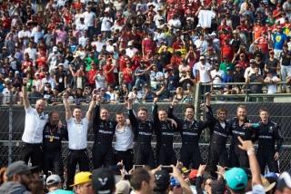 Fotos Lewis Hamilton Campeón del Mundo F1 2017 Foto 9