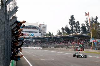 Fotos Lewis Hamilton Campeón del Mundo F1 2017 Foto 11