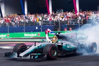 Fotos Lewis Hamilton Campeón del Mundo F1 2017 Foto 20
