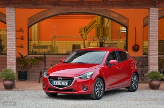 Fotos Mazda2 2015 Foto 16