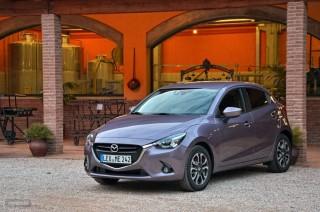 Fotos Mazda2 2015 Foto 17