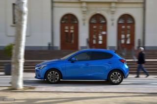 Fotos Mazda2 2015 Foto 31