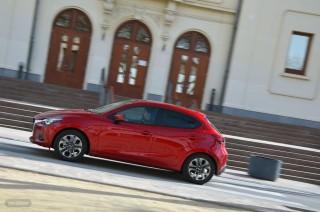 Fotos Mazda2 2015 Foto 32
