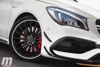 Fotos Mercedes-AMG CLA 45 4MATIC Coupé Foto 14