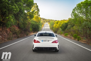 Fotos Mercedes-AMG CLA 45 4MATIC Coupé Foto 36