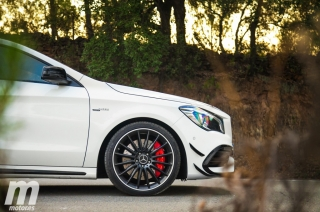 Fotos Mercedes-AMG CLA 45 4MATIC Coupé Foto 40