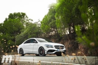 Fotos Mercedes-AMG CLA 45 4MATIC Coupé Foto 41