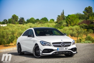 Fotos Mercedes-AMG CLA 45 4MATIC Coupé Foto 45