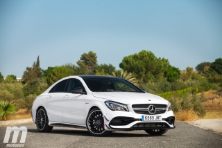 Fotos Mercedes-AMG CLA 45 4MATIC Coupé Foto 46