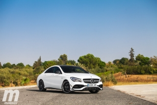 Fotos Mercedes-AMG CLA 45 4MATIC Coupé Foto 47