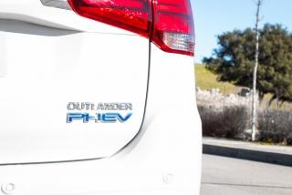 Fotos Mitsubishi Outlander PHEV 2019 Foto 34