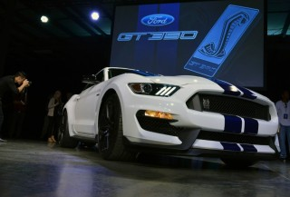 Fotos Mustang Shelby GT350 Foto 35
