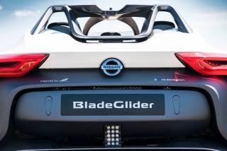Fotos Nissan BladeGlider Foto 42