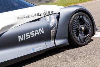 Fotos Nissan BladeGlider Foto 49