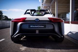 Fotos Nissan BladeGlider Foto 76