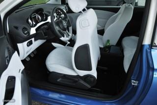 Fotos Opel Adam 1.4 87cv Foto 32