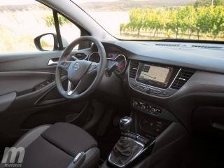Fotos Opel Crossland X 1.2T Foto 24