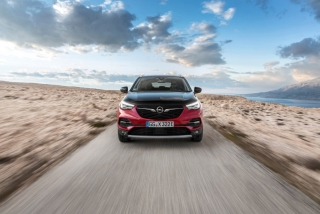 Fotos Opel Grandland X Hybrid4 Foto 20