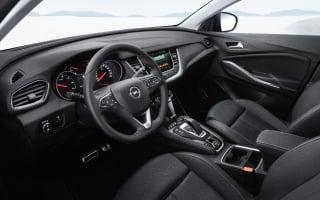 Fotos Opel Grandland X Hybrid4 Foto 37