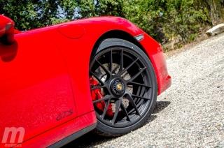 Fotos Porsche 911 Carrera 4 GTS Foto 10
