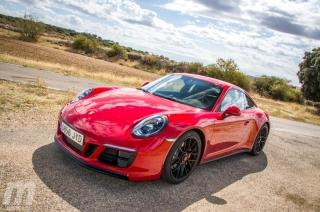 Fotos Porsche 911 Carrera 4 GTS Foto 14