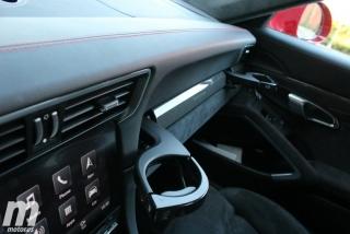 Fotos Porsche 911 Carrera 4 GTS Foto 28