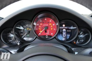 Fotos Porsche 911 Carrera 4 GTS Foto 40