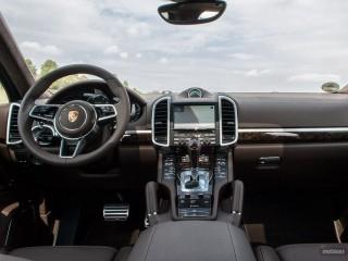 Fotos Porsche Cayenne Turbo y S 2015 Foto 23