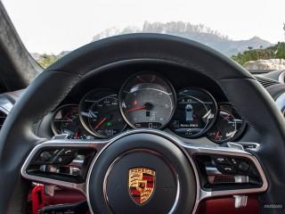 Fotos Porsche Cayenne Turbo y S 2015 Foto 33